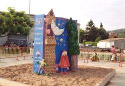 La falla commemorativa del 50è aniversari de la biblioteca, dissenyada per l'artista local Luciana Losada